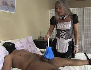 content/maid_finds_bound_slave_again/1.jpg